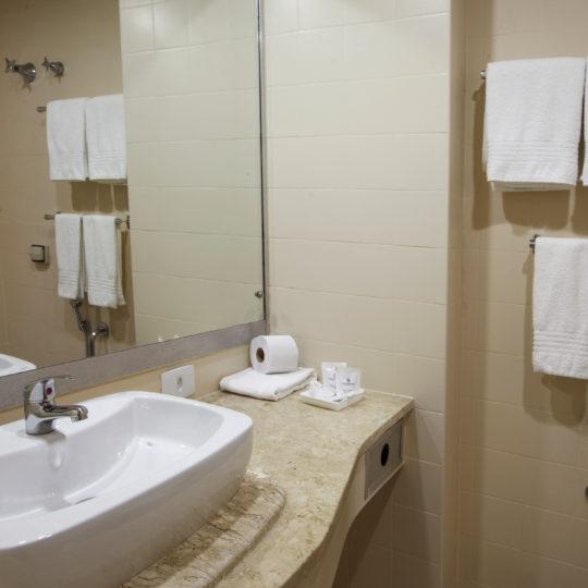 http://hotelboulevard.com.br/wp-content/uploads/2016/12/acomodacoes-2-540x540.jpg