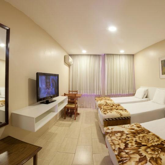 http://hotelboulevard.com.br/wp-content/uploads/2016/12/acomodacoes-540x540.jpg